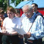 """04 mai : Fismes De grands enfants ont """"grillé"""" au soleil à résoudre la grille de 600 cases sur la BD"""