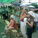 08 août : Fête de Desingy A côté des stands pour les petits et les grands, le public s'est passionné pour une pêche aux mots miraculeuse.