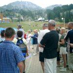 15 août : La Plagne Au pied de la montagne, départ pour les sommets pour la cordée de cruciverbistes.