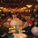 """16 mars : Stamford (USA) Championnat américain Près de 500 compétiteurs réunis dans le """"Ball Room"""" de l'hôtel Mariott à Stamford (Connecticut) pour le championnat des États-Unis de mots croisés."""